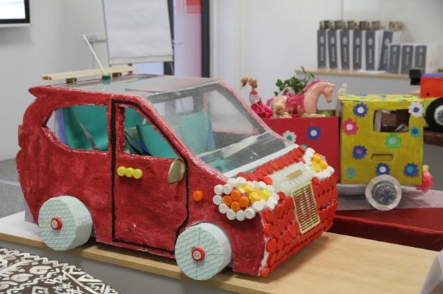 Žiaci vyrobili originálne auto z odpadkov
